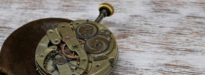 4facc09ebff997 Sei un appassionato di orologi con movimento al quarzo e vuoi capire meglio  il loro funzionamento? Hai trovato pane per i tuoi denti: oggi ti  spieghiamo in ...