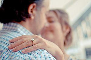 scegliere l'anello di fidanzamento